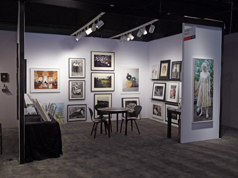 Exhibition Booth Photography : The online photographer: the aipad show 2009