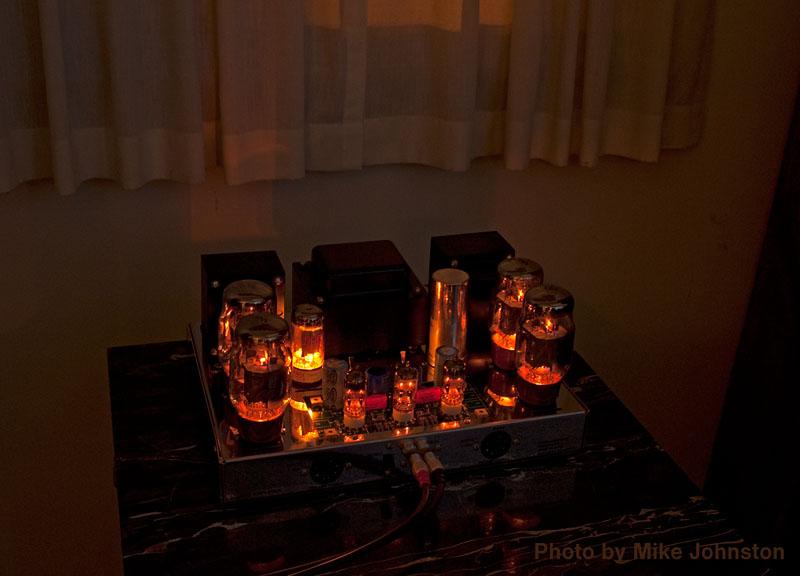 Glowingampsmall_srgb
