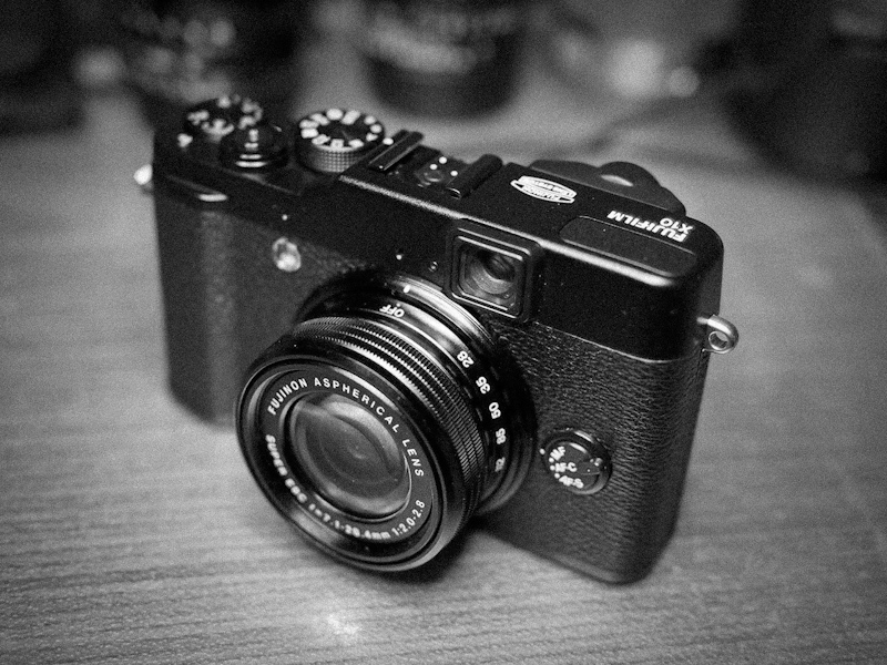 the online photographer fujifilm finepix x10 impressions. Black Bedroom Furniture Sets. Home Design Ideas