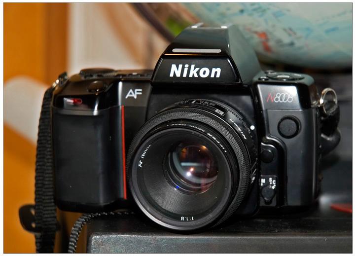 Nikon8008