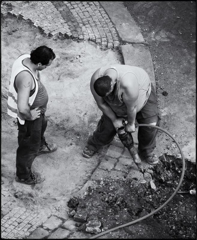 Roma roadworkers