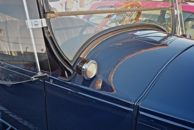 1924 Buick windshield