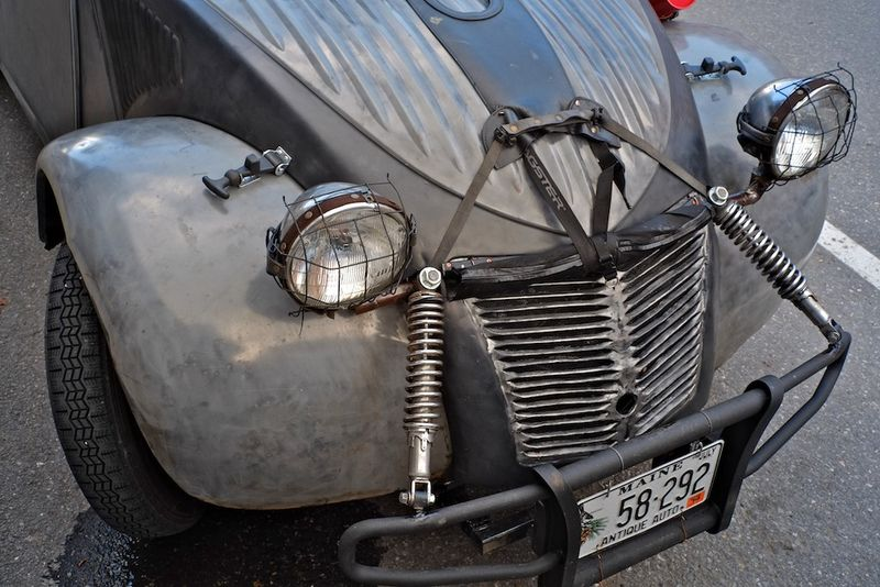 Citroen 2CV Meets Mad Max