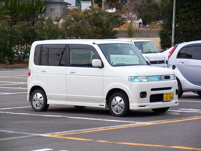 640px-Honda_That's_in_Shirahama _Wakayama_20100214a