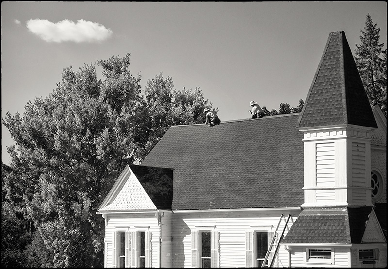 AmishroofersBW-small-2