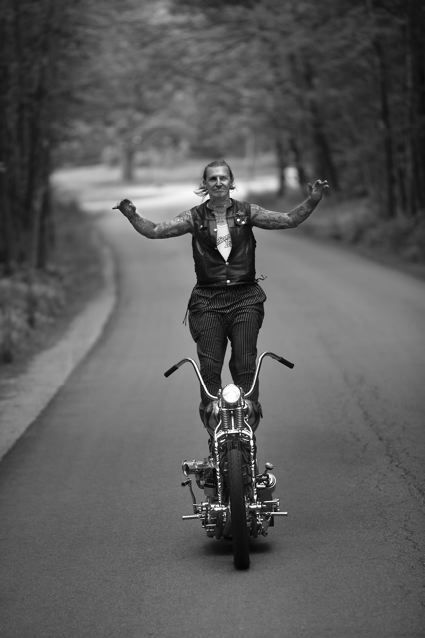 Indian_larry_full_frame_hp_2